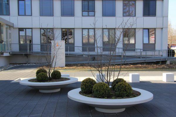 matteo betonnen bloembak met zitring